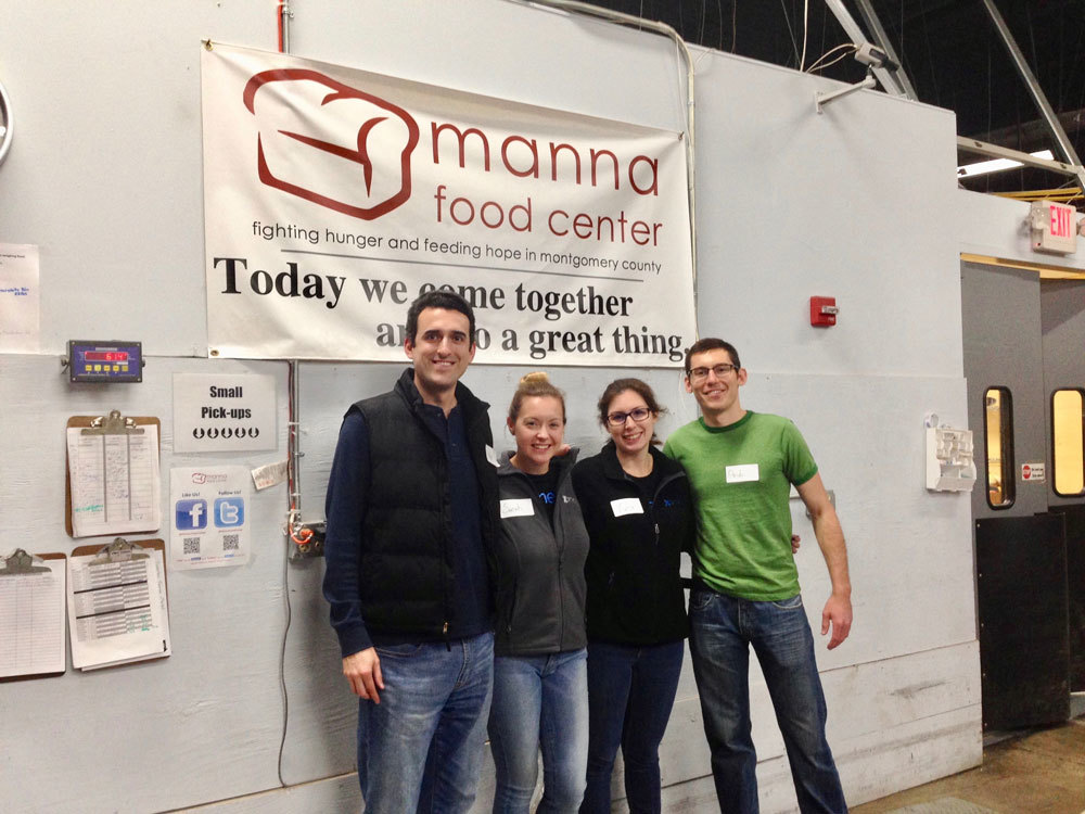 Xometry team volunteering
