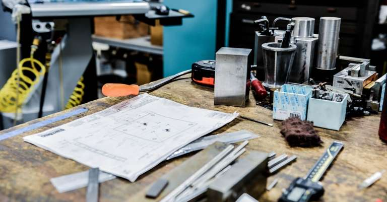 Chasing A Better Perfection: Quality Control in Online Manufacturing